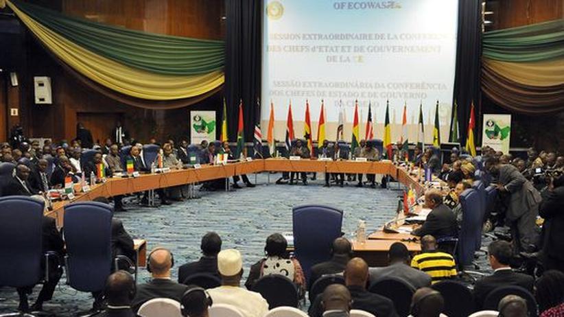 Ecowas: Westafrikaner entsenden 3.300 Soldaten nach Mali