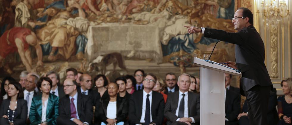 Der französische Präsdient François Hollande während der Pressekonferenz im Élysée-Palast