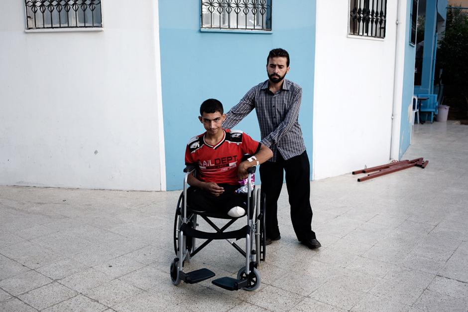 Viele Patienten in dem syrischen Krankenhaus auf türkischem Boden haben Arme oder Beine im Kampf gegen die Truppen von Präsident Bashar al-Assad verloren.
