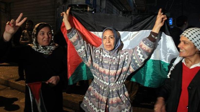 Nahost-Konflikt: Waffenruhe zwischen Israel und Hamas hält an
