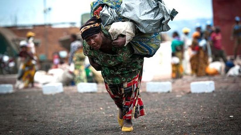 Rebellen-Offensive: Zehntausende flüchten vor Kämpfen im Ostkongo