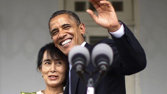 US-Präsident Barack Obama und die Menschenrechtlerin Aung San Suu Kyi in Rangun