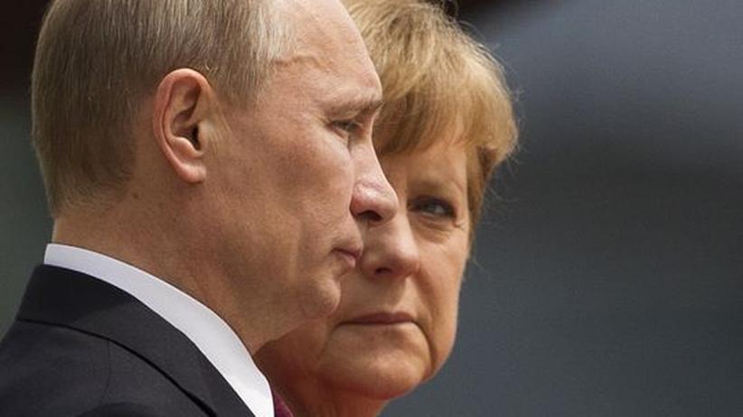Merkel in Moskau: Deutsche Mahnungen, russische Vorhaltungen