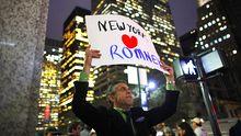 Einer der wenigen New Yorker Romney-Unterstützer, die dies auch öffentlich zeigen