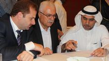 Georges Sabra (M) bei seiner Wahl zum Chef des Oppositionellen Syrischen Nationalrats