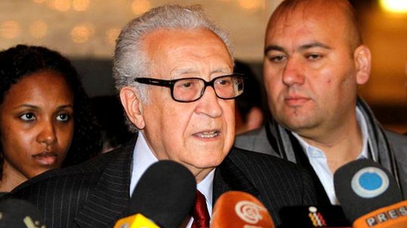Syrien: Brahimi versucht Assad für Übergangsregierung zu gewinnen