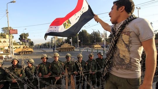 Ein Demonstrant gegen Präsident Mohammed Mursi in Kairo