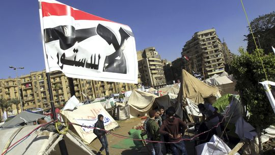 Mursi-Gegner campieren auf dem Tahir-Platz in Kairo.