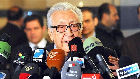 Der UN-Sondervermittler Lakhdar Brahimi bei einer Pressekonferenz in Damaskus