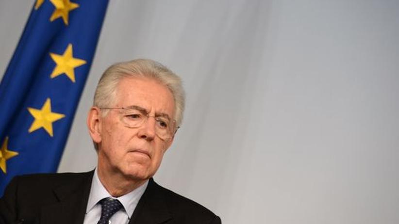 Berlusconi-Rückkehr: Mario Monti auf einer Pressekonferenz am 6. Dezember in Rom
