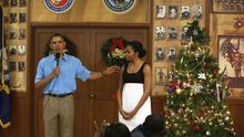 US-Präsident Barack Obama und First Lady Michelle Obama besuchen das Marine Corps Base Hawaii in Kaneohe Bay.