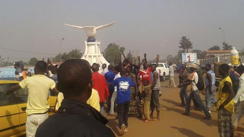 Rebellen-Vormarsch: Rufe nach militärischer Hilfe in Zentralafrika