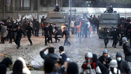 Demonstranten in Kairo liefern sich schwere Auseinandersetzungen mit der Polizei