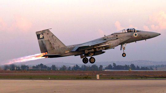 Ein israelisches Kampfflugzeug vom Typ F-15