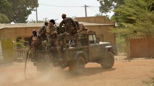 Fahrzeug der malischen Armee in Diabaly