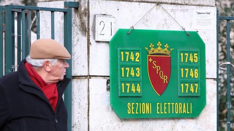 Parlamentswahl: Geringe Wahlbeteiligung in Italien