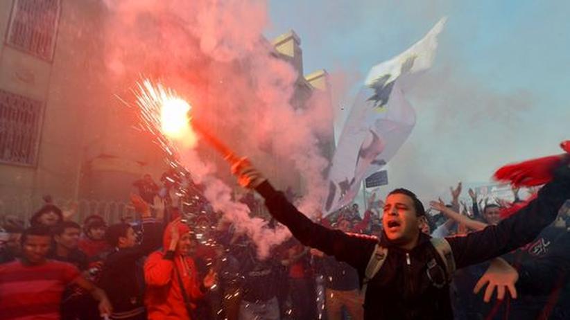 """Ägyptische Fußball-Fans: """"Durch Polizeiknüppel wurden wir von Fans zu Revolutionären"""""""