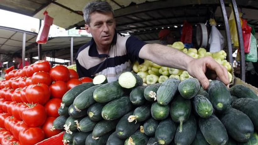 Serbien: Gemüseverkäufer auf dem Markt in Belgrad (Archiv)