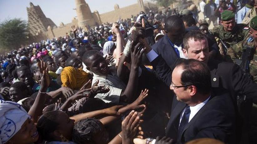 "Hollande in Mali: ""Es lebe Frankreich, es lebe Hollande"""