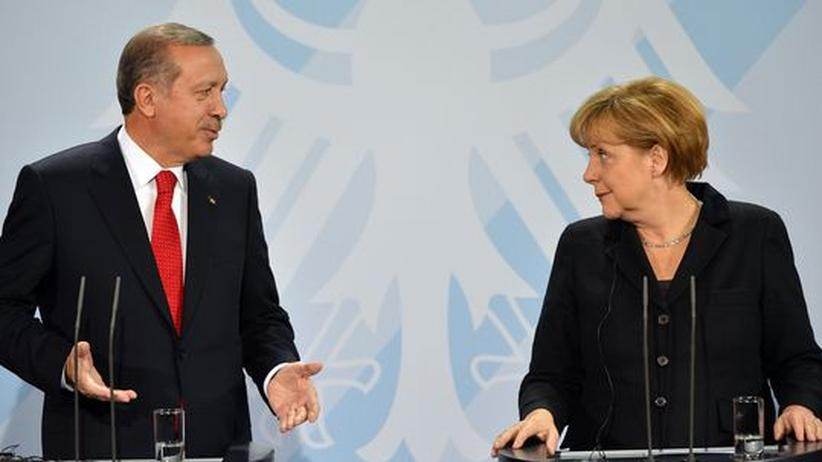 Bundeskanzlerin Angela Merkel und der türkische Premier Recep Tayyip Erdoğan während ihres Treffens in Berlin im Oktober 2012