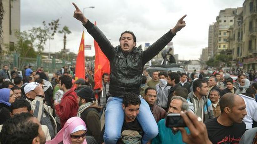 Ägypten: Zusammenstöße vor Präsidentenpalast in Kairo