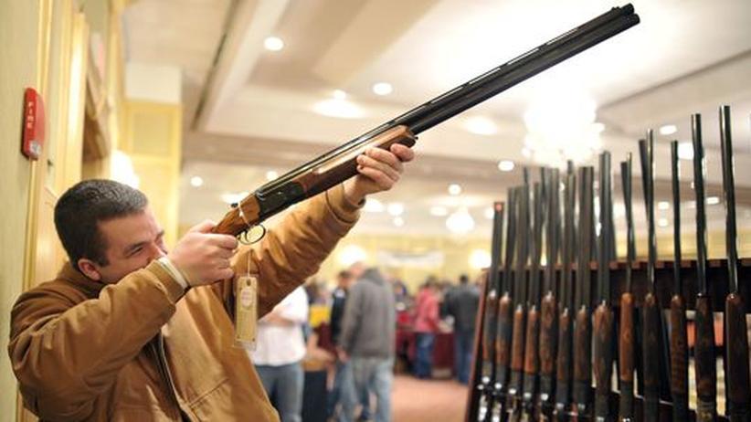 Waffenbesitz: US-Vize Biden lobt Vorzüge einer Waffe im Haus