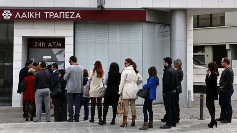 Zahlungsverkehr: Zyperns Banken bekommen Polizeischutz