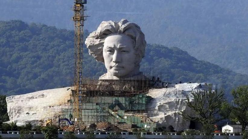 Unbekannte Millionenstädte: Mao-Skulptur in Changsha