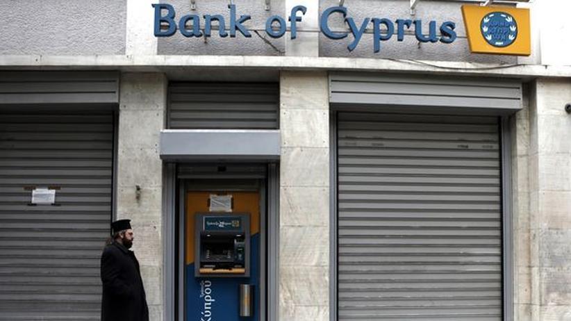 Bankenrettung: Zyperns Notenbank befürchtet Veto aus Brüssel