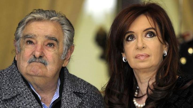 Mikrofon-Panne: Uruguays Präsident beleidigt argentinische Amtskollegin