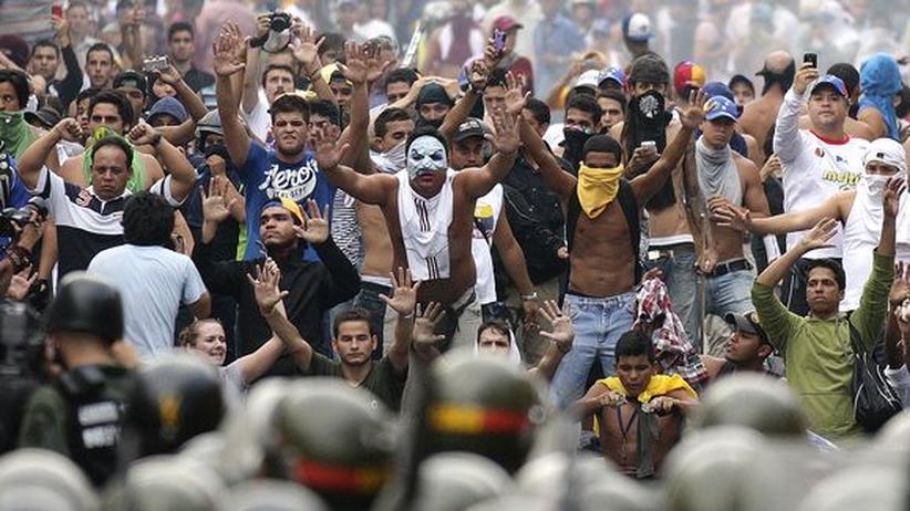 Nicolás Maduro: Venezuelas Wahlsieger verbietet Protestmarsch der Opposition