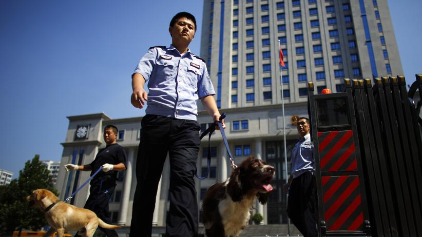 Prozessbeginn in China: Bo Xilai weist Bestechungsvorwurf zurück