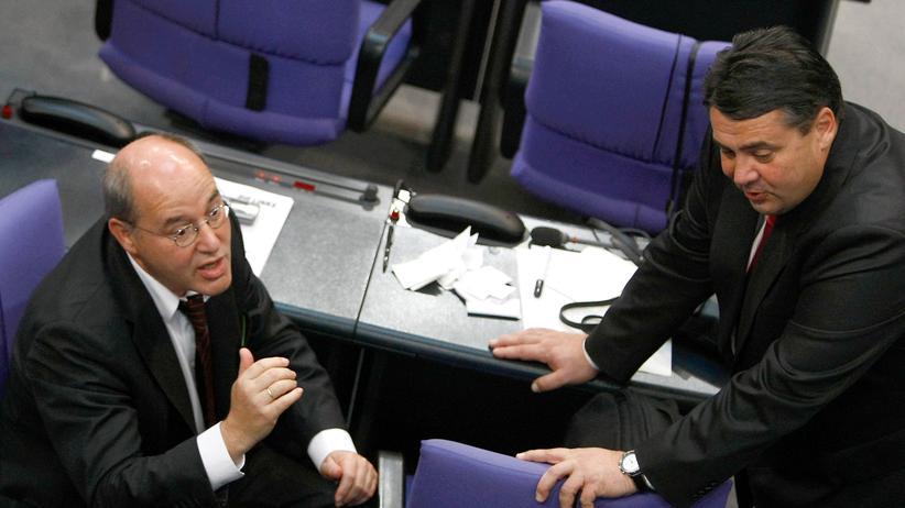 Rot-Rot-Grün: Linken-Fraktionschef Gregor Gysi (l.) und der SPD-Vorsitzende Sigmar Gabriel im Bundestag