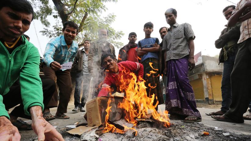 Parlamentswahl: Wahl in Bangladesch endet im Chaos