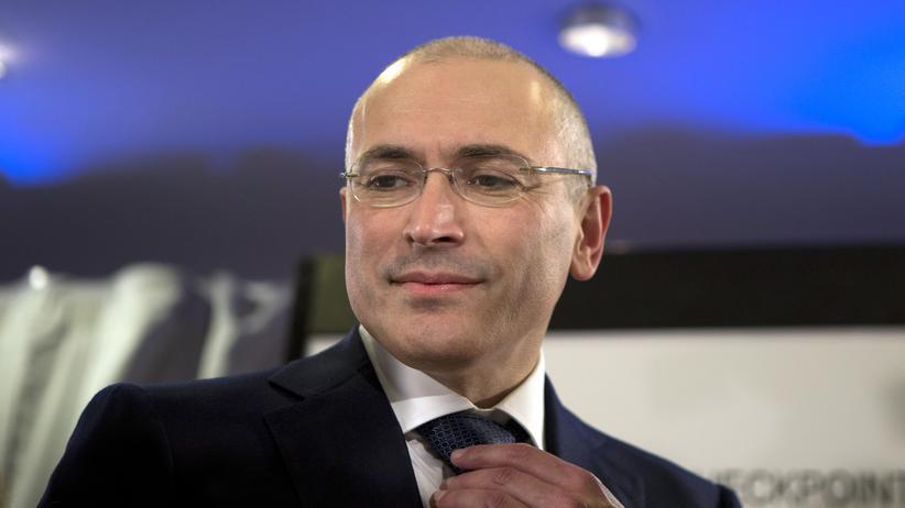 Michail Chodorkowski: Michail Chodorkowski nach seiner Entlassung bei der Pressekonferenz im Dezember 2013 am Checkpoint Charlie in Berlin