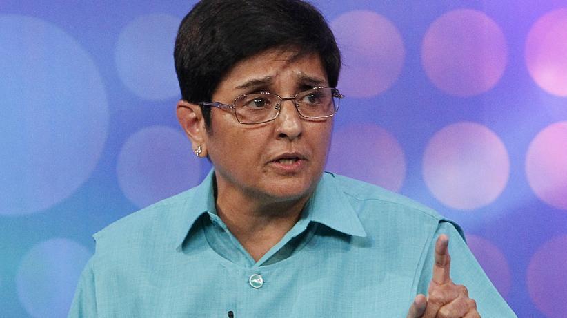 Kiran Bedi bei einer Diskussionsveranstaltung