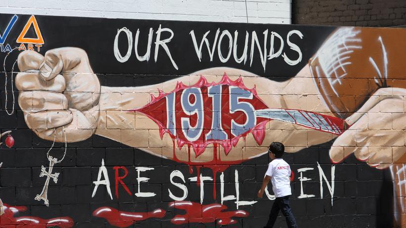 Gedenken an den Völkermord in Armenien an einer Mauer in Los Angeles