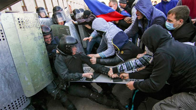 Ukraine: Unruhen im Osten sollen laut Kiew Einmarsch provozieren