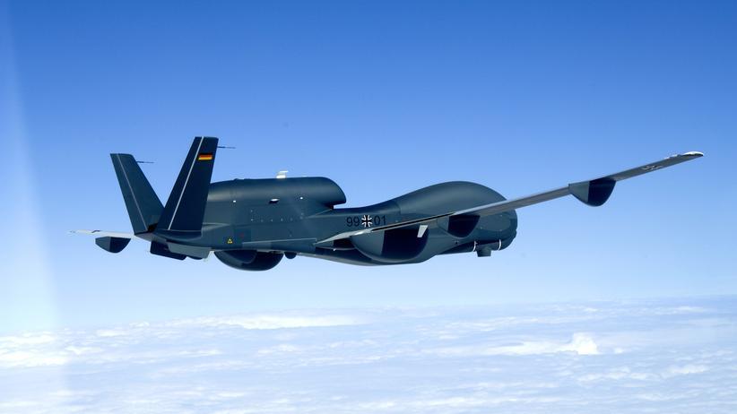 Militärische Luftfahrt: Eine Aufklärungsdrohne des mittlerweile gescheiterten Projekts Euro Hawk (Archivbild)