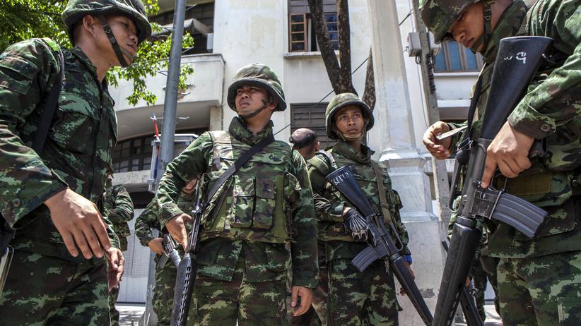 Thailändische Soldaten im Zentrum von Bangkok