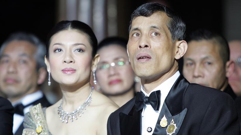 Thailand: Kronprinz offenbar nach England geflohen