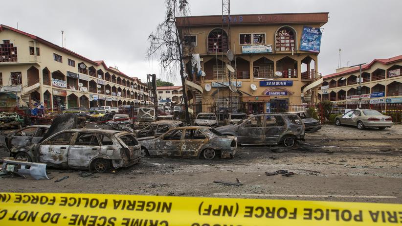 Nigeria: Blick auf das Emab business centre in Abuja, vor dem am Mittwoch eine Bombe explodierte