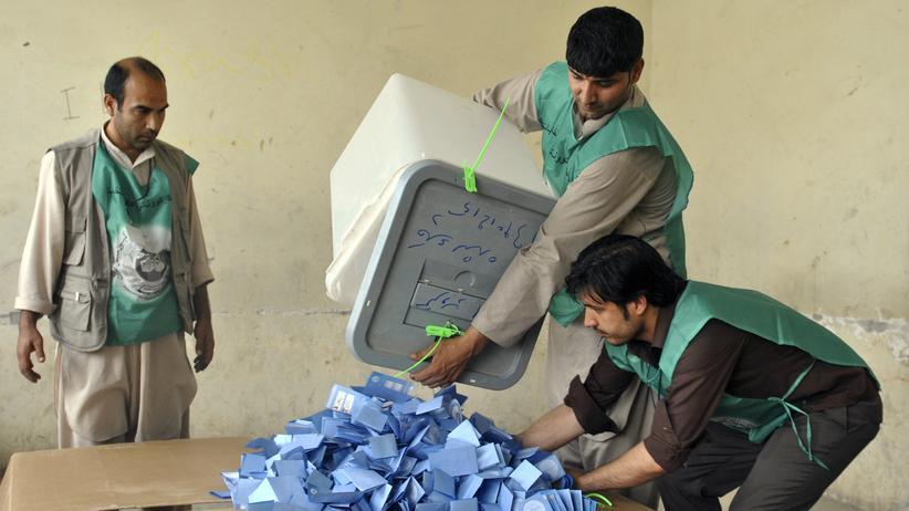 Afghanistan: Favorit Abdullah fordert Stopp der Stimmauszählung