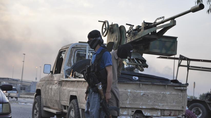 Irak: Ein Isis-Kämpfer in Mossul am 11. Juni 2014