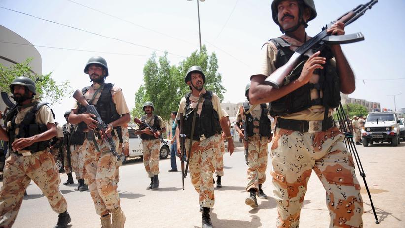 Islamisten: Pakistan übt Vergeltung für Angriff auf Flughafen