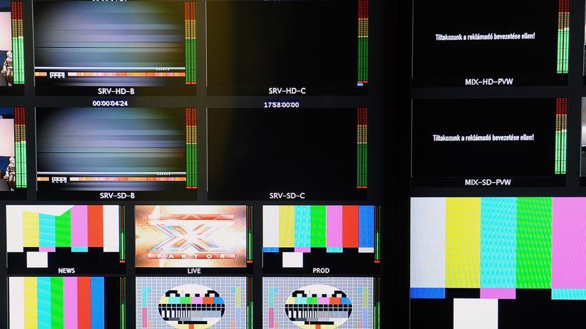 Schwarzer Bildschirm in Ungarn: Der Fernsehsender RTL Klub protestiert gegen die neue Mediensteuer.