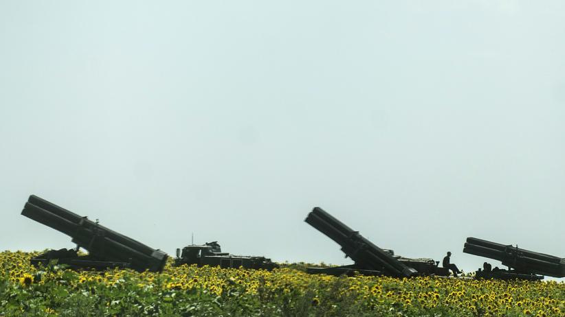 Ukraine: Raketenwerfer der ukrainischen Armee nahe der Stadt Siversk in der Region Donezk