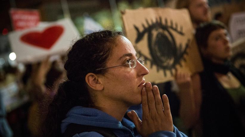 Krieg in Nahost: Israelische Friedensdemonstranten in Jerusalem am 17.7.2014