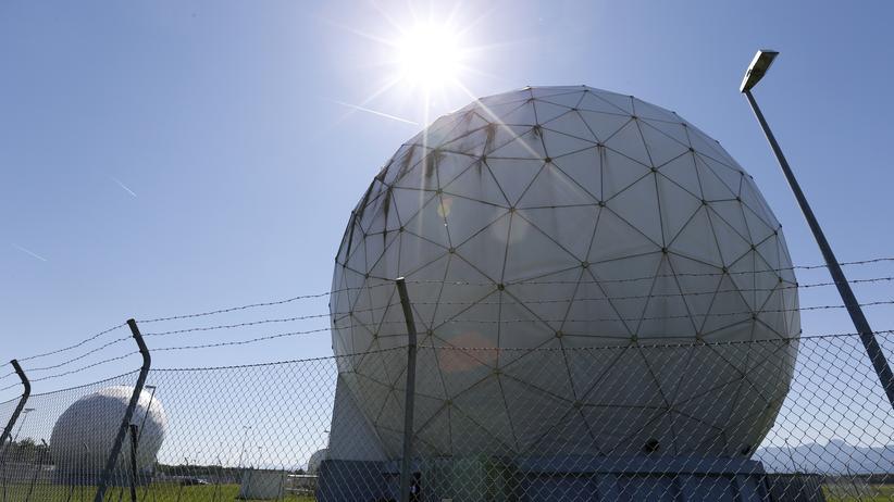 Geheimdienst: Geheimdienst-Kooperation: Frühere NSA-Überwachungsanlage in Bad Aibling südlich von München. Sie wird jetzt vom BND betrieben.