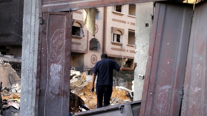 Gaza-Krieg: Ein Palästinenser in den Überresten seines Hause im Gazastreifen